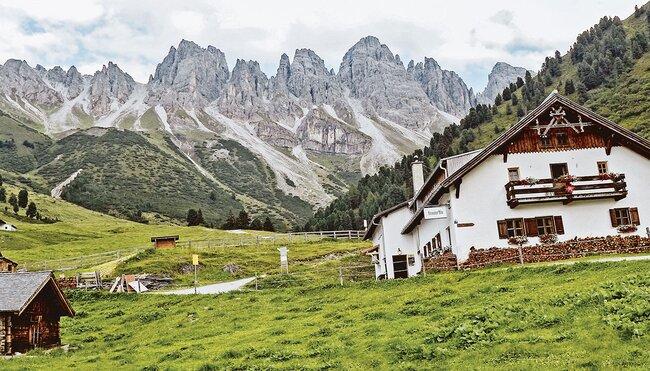 Alpenüberquerung von Alm zu Alm