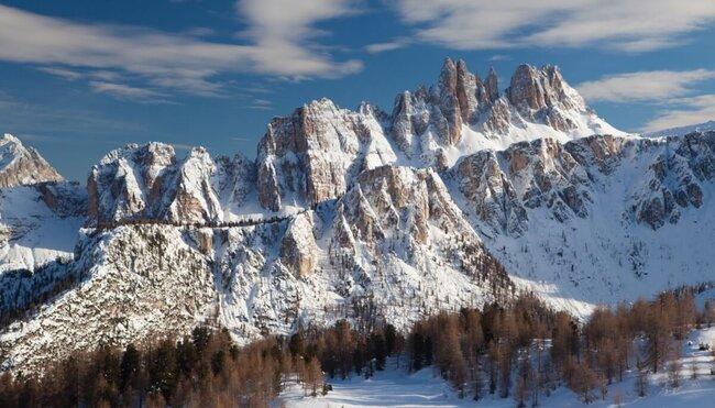 Schneeschuhwandern in den Dolomiten - das Sagenreich der Faneshütte