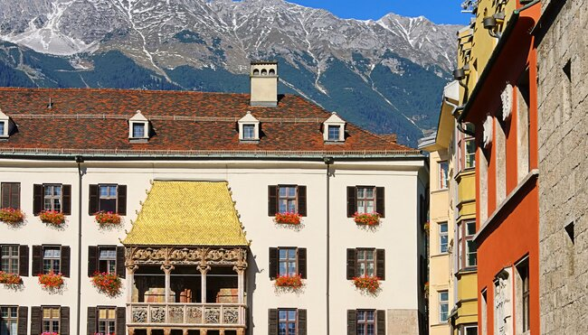 Alpenüberquerung vom Goldenen Dachl Innsbrucks zu Merans Laubengassen