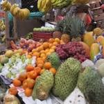 Frische Früchte auf Stand
