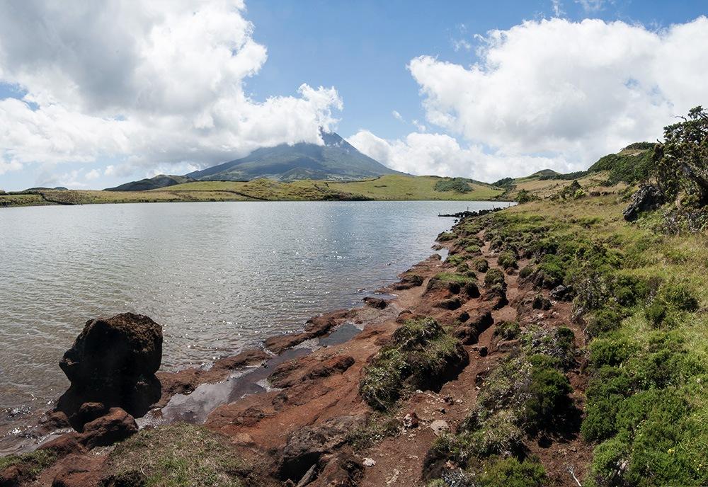 Blick auf den Pico vom Lagoa do Capitao