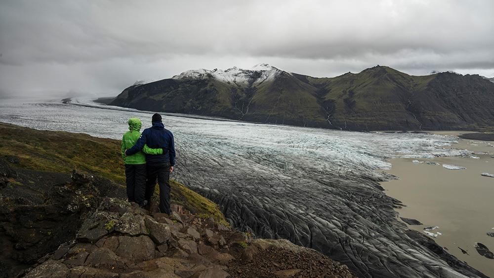 Blick auf eine Gletscherzunge des Vatnajökull