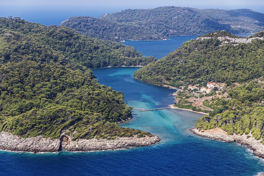 Wandern auf der Insel Mljet in Kroatien