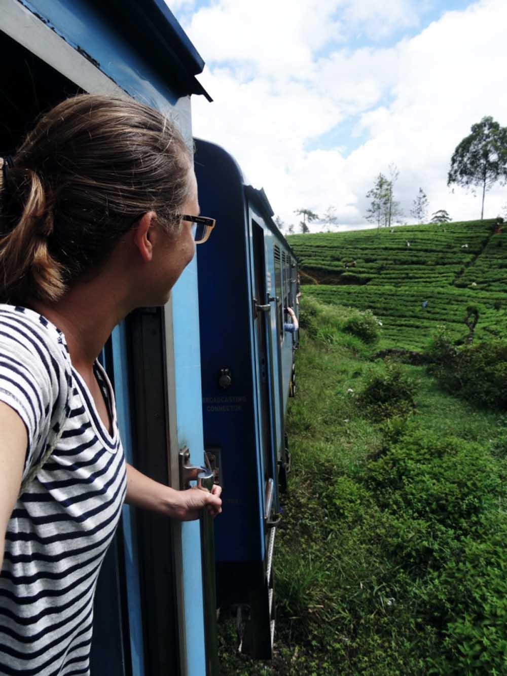 Spektakuläre Zugfahrt von Kandy nach Nuwara Eliya