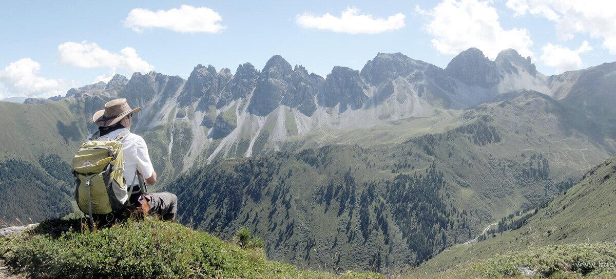 ASI Wanderführer Hermann bei einer Wanderung in seiner Heimat Tirol