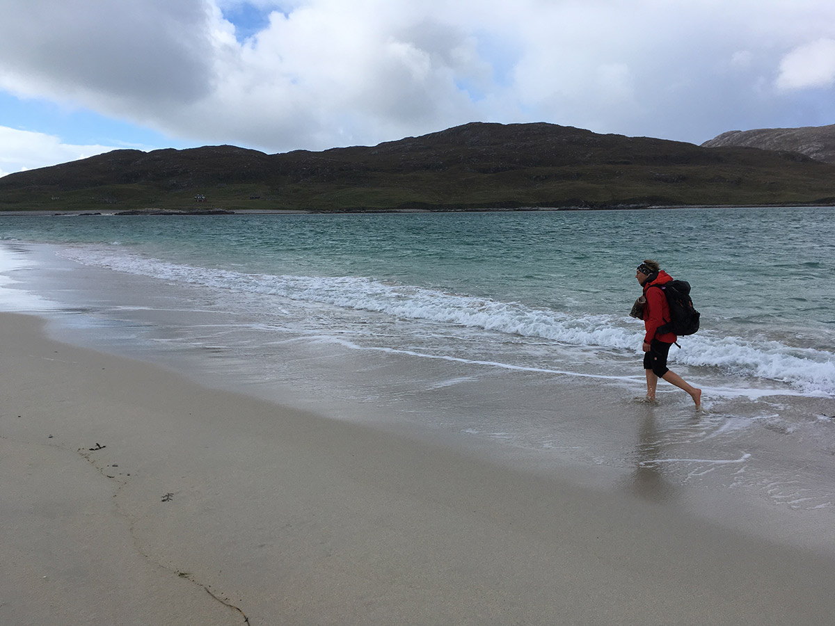 Schuhe aus und ab ins Meer!