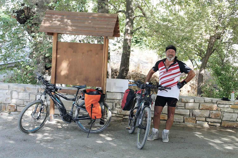 im portrait e bike guide adam aus kreta blog asi reisen. Black Bedroom Furniture Sets. Home Design Ideas