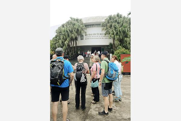 ASI Gruppe vor dem Ethnologischen Museum