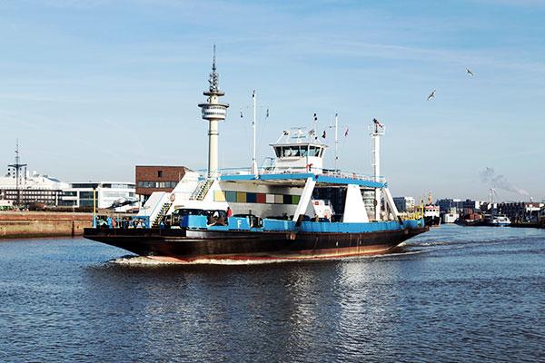 Fähre auf der Weser bei Bremerhaven