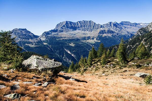 calancatal-graubuenden-schweiz-nahe-buffalora-huette