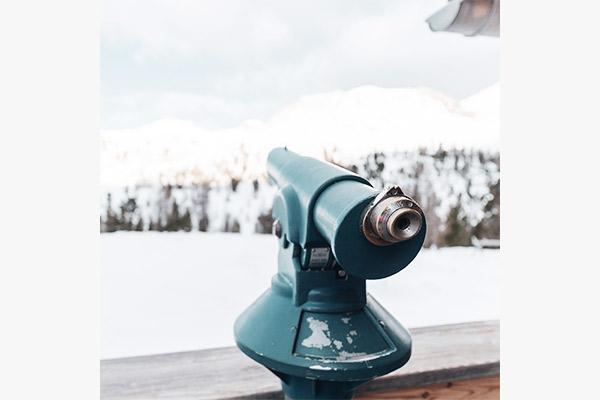 Fernglas auf Fanes Hütte, Dolomiten