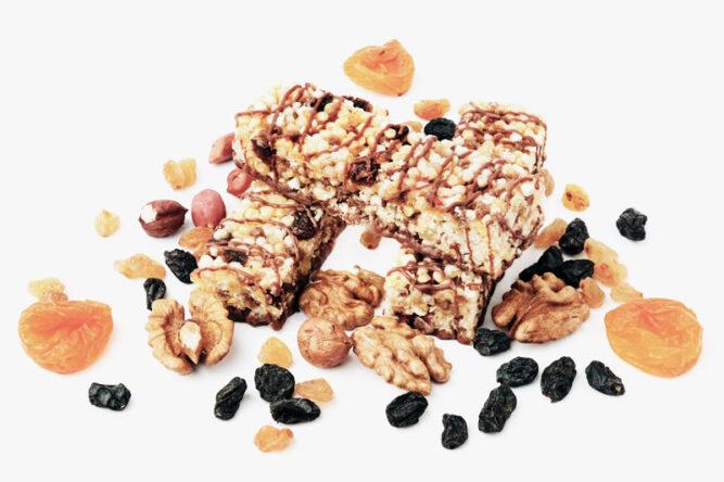 Müsliriegel, Nüsse und getrocknete Früchte