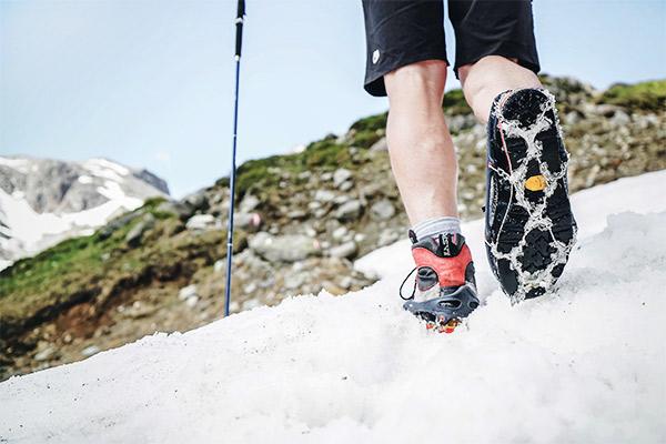 Grödel im Schneefeld, Wandern