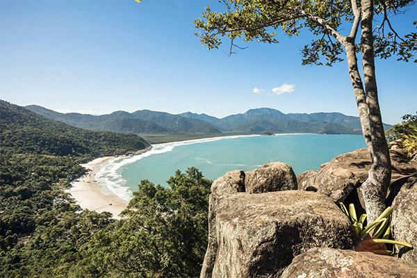 Strand auf der Ilha Grande, Brasilien