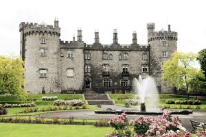 Das Kilkenny Schloss in Irland.