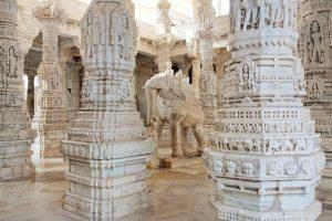 Säulen im Jain Tempel Ranakpur, Indien