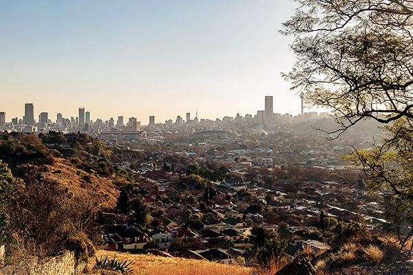 Johannesburg aus der Ferne, Suedafrika
