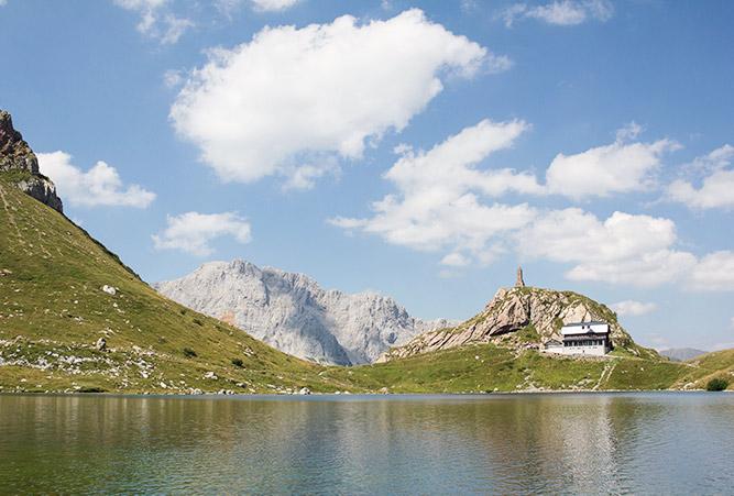 Wolayersee am Karnischen Höhenweg