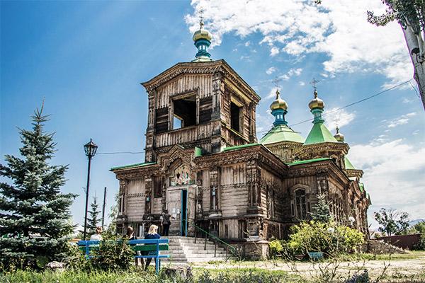 Kathedrale der Hl. Dreieinigkeit in Karakol, Kirgistan