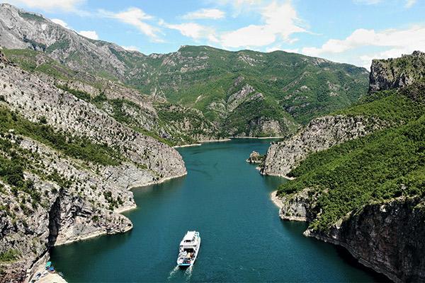 Koman Stausee, Albanien