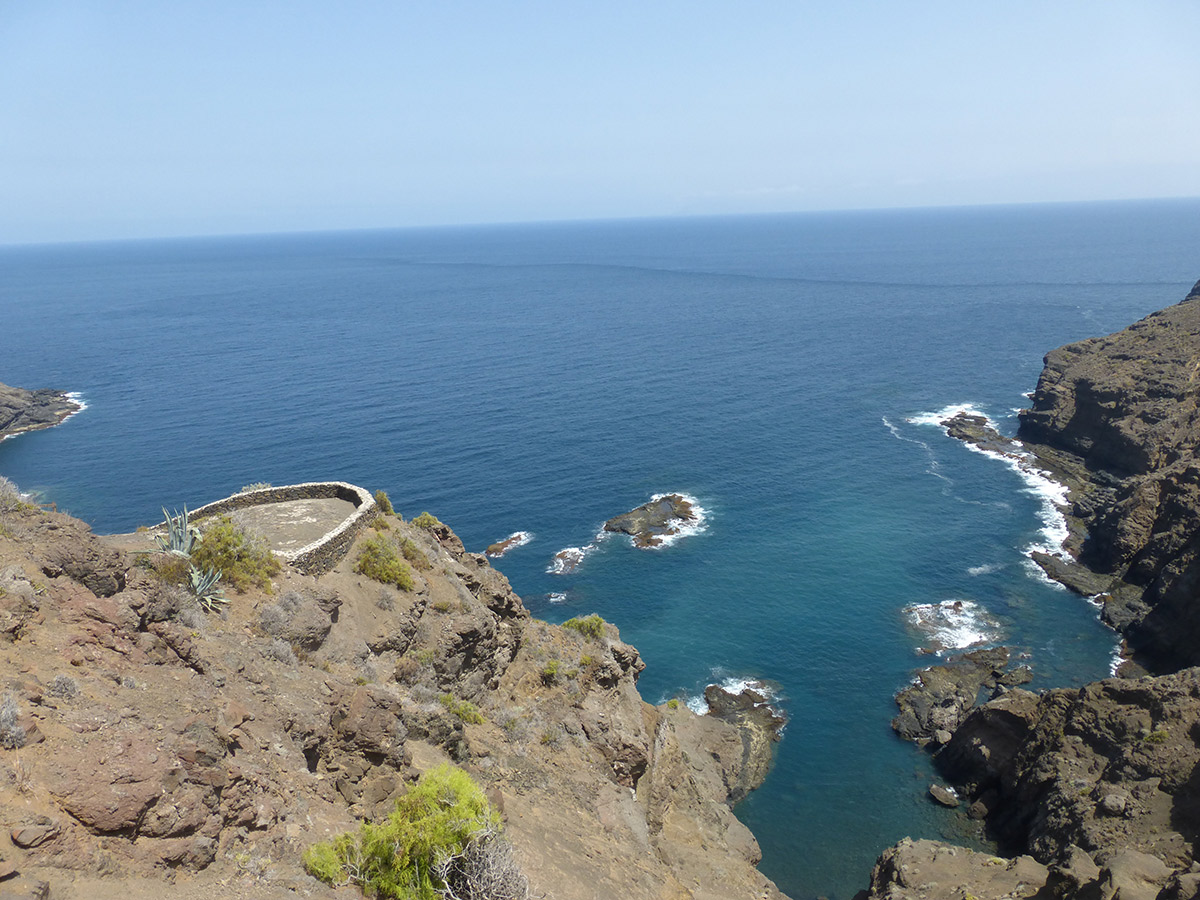 Blick hinunter zum Playa de la Caleta