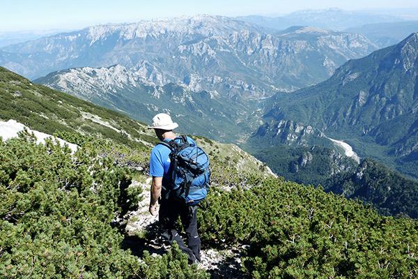 Wanderer mit Hut, Grand Canyon Bosniens