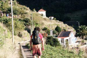 Wanderer am Levada-Weg