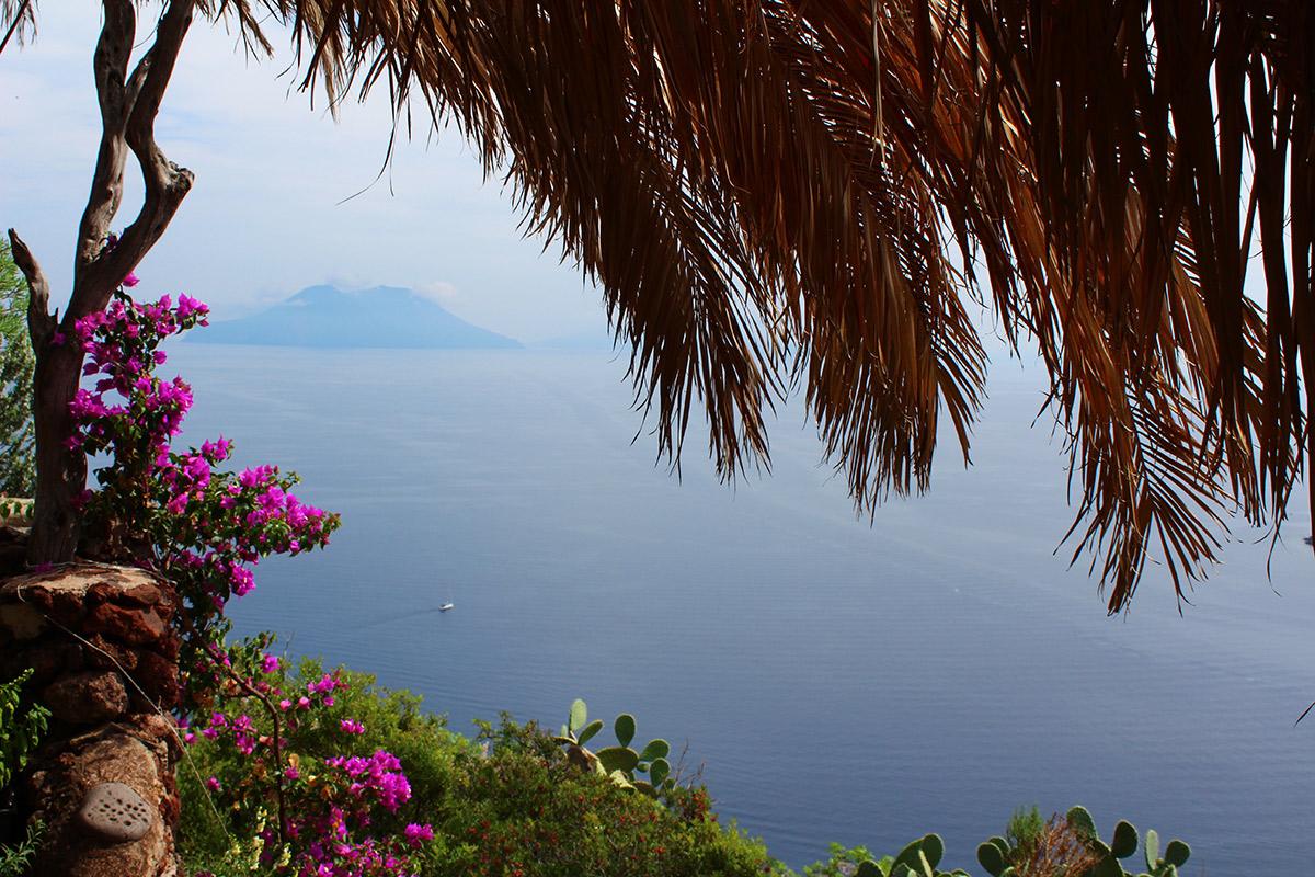 Blick auf die Insel Salina