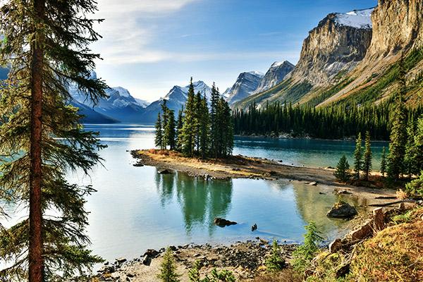 Maligne Lake im Jasper Nationalpark, Kanada