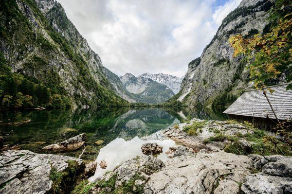 Das klare Gewässer des Obersees, Deutschland