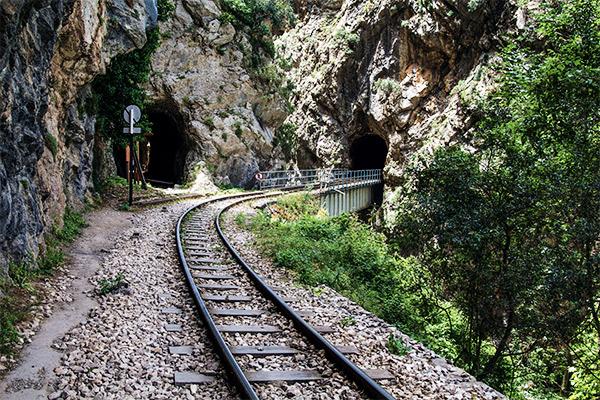 Schmalste Zahnradbahn, Peloponnes