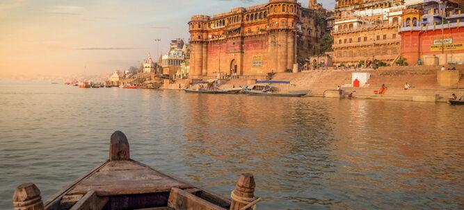phaenomene-totenrituale-hinduismus-fluss-ganges-stadt-varanasi-header