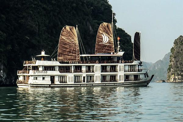 Schiff Halong-Bucht, Vietnam