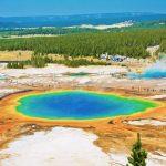 Ein großer prismatischer See im Yellowstone Nationalpark. © Shutterstock
