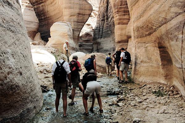 Steine sammeln Canyon, Jordanien