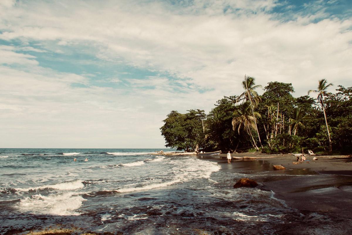 Strand am karibischen Meer