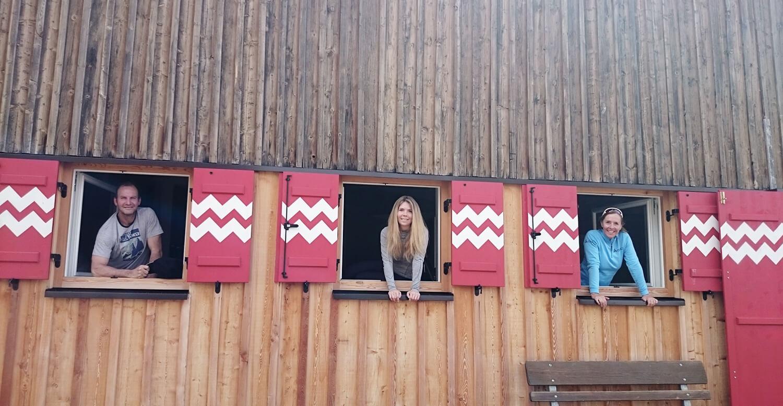 Schitour im Winter zur Hütte