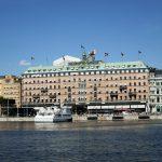 Hotel vom Boot aus