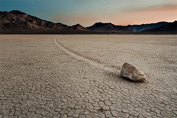 Stein zieht Spuren, Death Valley USA