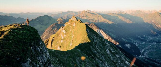 wanderer-oesterreichische-alpen-berge
