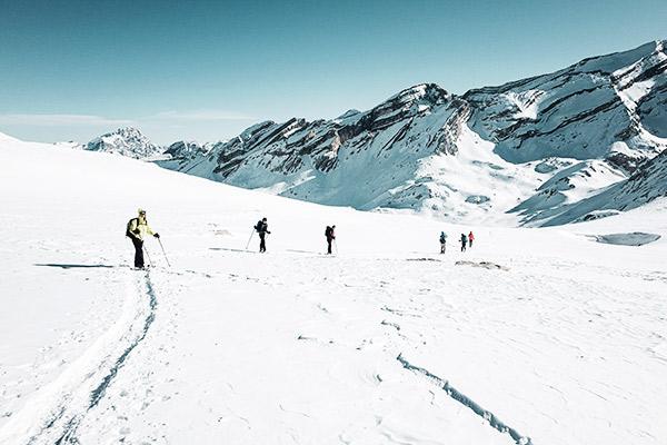 Wandergruppe beim Aufstieg, Dolomiten