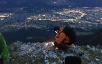 Berge in Flammen: Sonnwendfeuer in Tirol