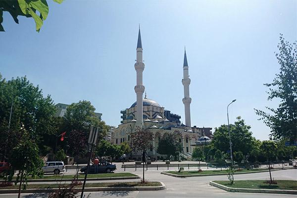 Moschee Mitrovica, Kosovo